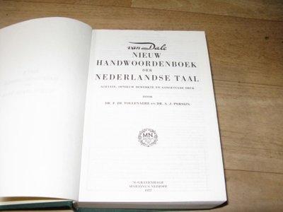 Van Dale nieuw nederlands handwoordenboek